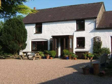 Llwyncrwn Farm Holiday Cottages